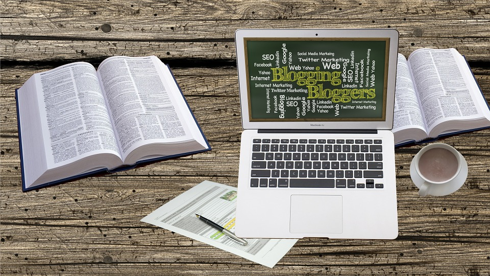 4 Ways To Make Money From Blogging